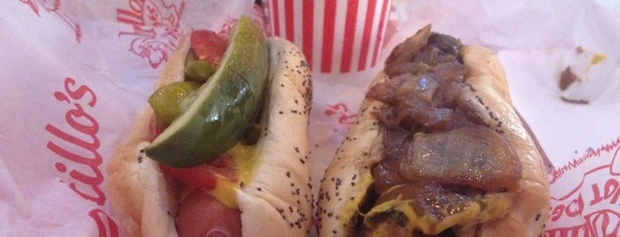 Portillo's is one of Chicago To-Do.