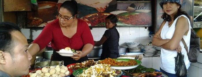 Nasi Bali Made Weti is one of Breakfast spots around Denpasar.