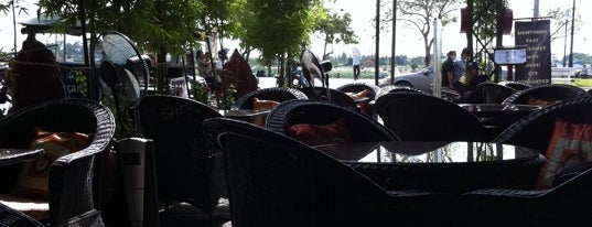 Riverside Bistro is one of SOUTH EAST ASIA Dining with a View.