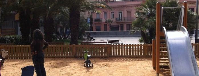 Plaça de les Palmeres is one of Los mejores sitios para hacer deporte en Barcelona.