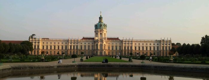 Schlossgarten Charlottenburg is one of Cristi : понравившиеся места.