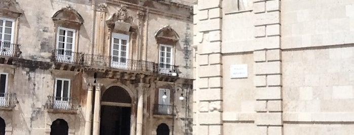 Piazza Minerva is one of Grand Tour de Sicilia.