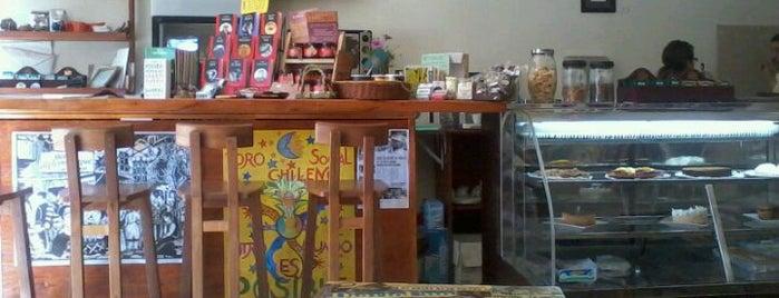 Cafe Al otro lado de la moneda is one of Orte, die Rosalba gefallen.