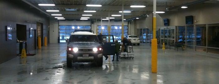 Michael's Toyota of Bellevue is one of Lieux qui ont plu à Matt.