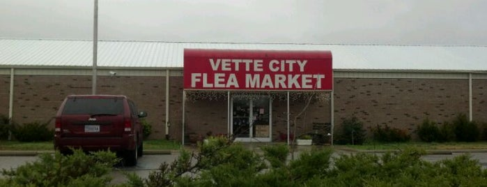Vette City Flea Market / Antiques is one of Tempat yang Disukai AKB.