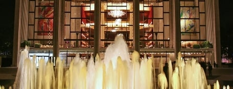 Ópera del Metropolitan is one of Architecture - Great architectural experiences NYC.