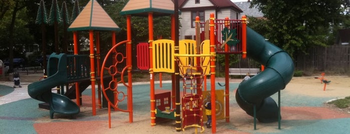 Fox Park is one of Oak Park Playgrounds.