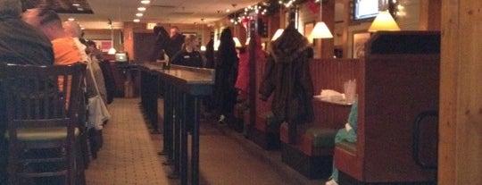 Ninety Nine Restaurant is one of สถานที่ที่ Dan ถูกใจ.