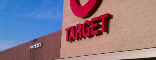 Target is one of Locais curtidos por DaByrdman33.
