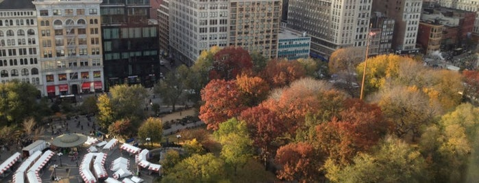 Union Square Park is one of Gray Line New York's Downtown Loop.