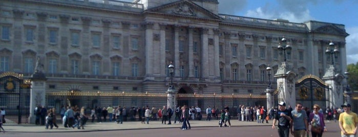 Buckingham Palace is one of Best Things To Do In London.