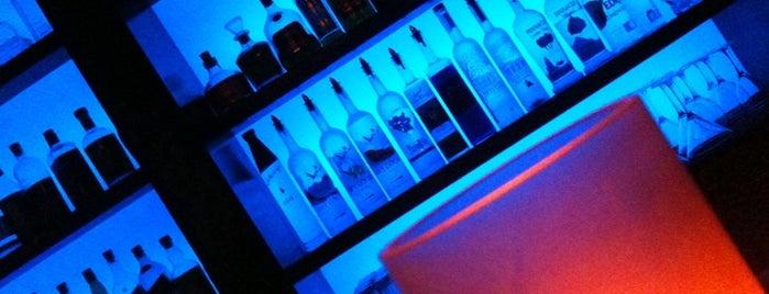 Whiskey Blue is one of Lieux sauvegardés par Michael.