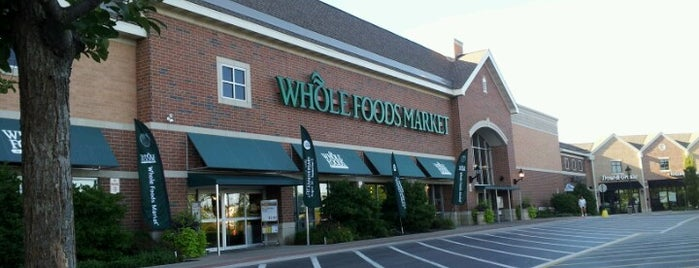 Whole Foods Market is one of Marco'nun Beğendiği Mekanlar.