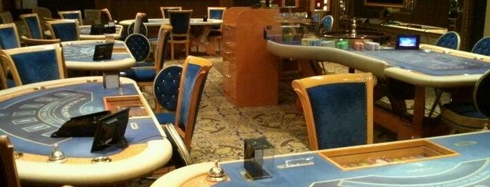 Royal Casino SPA & Hotel Resort is one of djAmira : понравившиеся места.