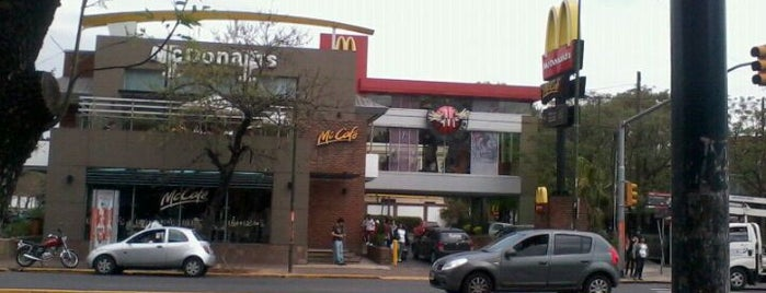 McDonald's is one of Bares Restaurantes  de Buenos aires.