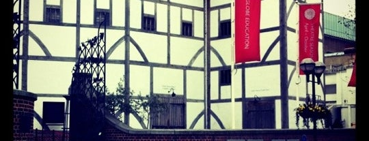 Shakespeare's Globe Theatre is one of London <3.