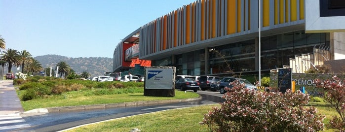Mall Paseo Los Trapenses is one of Centros Comerciales de Chile.