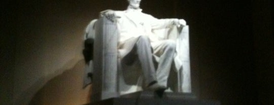 Lincoln Memorial is one of Top 10 tempat turis di Washington DC.