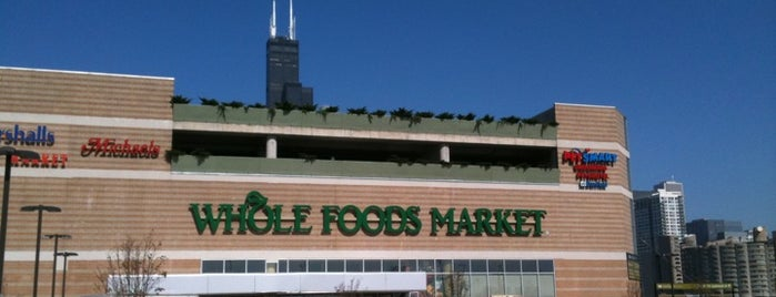 Whole Foods Market is one of Tempat yang Disukai Teresa.