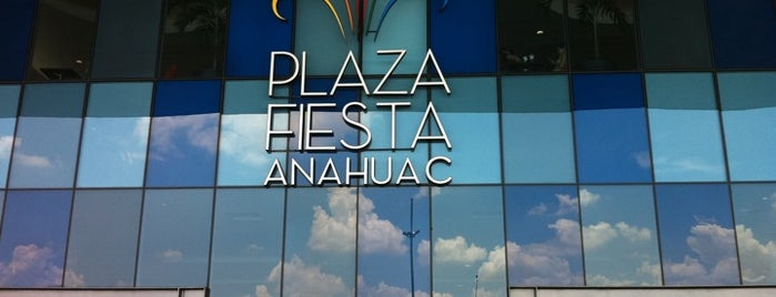 Plaza Fiesta Anáhuac is one of favoritos.