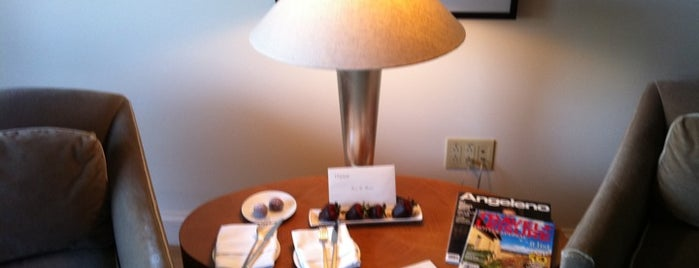 Viceroy L'Ermitage Beverly Hills is one of Pet Friendly Destinations.