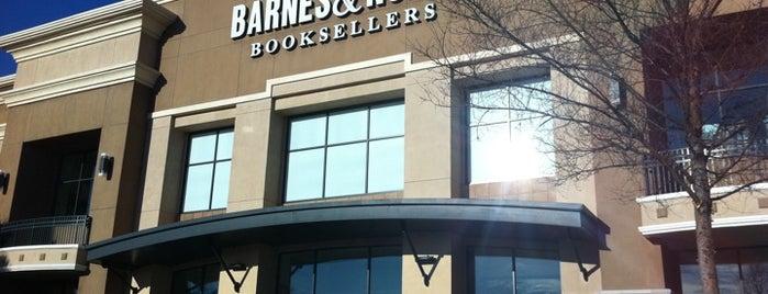 Barnes & Noble is one of Orte, die Bayana gefallen.