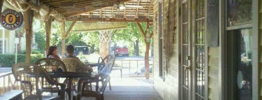 Green Turtle Tavern is one of Natalie: сохраненные места.