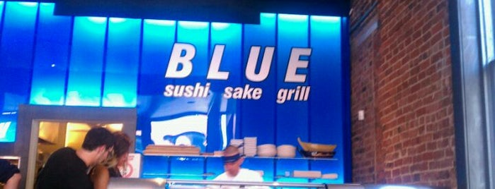 Blue Sushi Sake Grill is one of Locais curtidos por Divya.