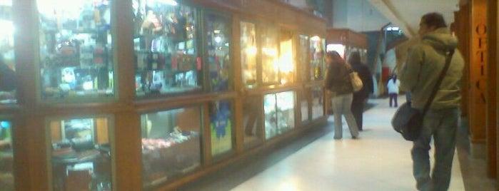 Galería Fourcade is one of Lugares favoritos de Oliver.