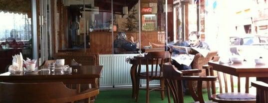 Park Veranda Cafe is one of ayşegül 님이 좋아한 장소.