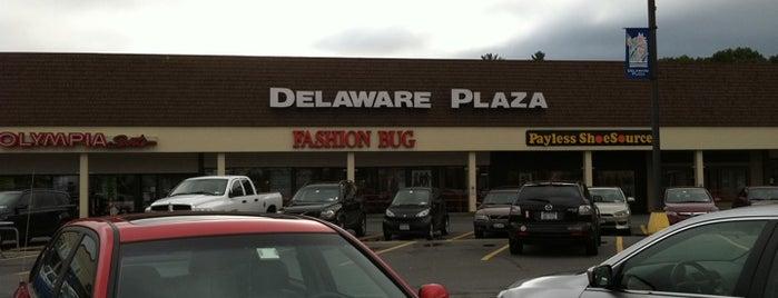 Delaware Plaza is one of Posti che sono piaciuti a Nicholas.