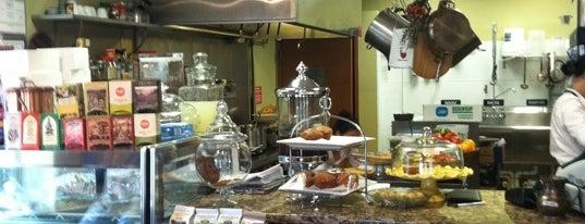 Nuray's Gourmet Cafe is one of Amy 님이 좋아한 장소.