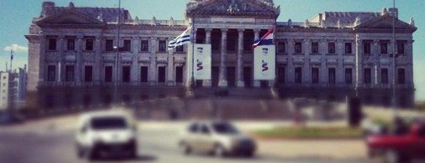 Palacio Legislativo is one of Sitios para fotografiar en Montevideo.