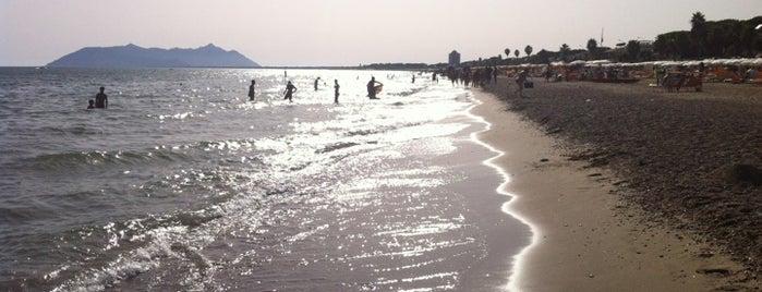 Spiaggia di Terracina is one of Posti che sono piaciuti a Daniele.