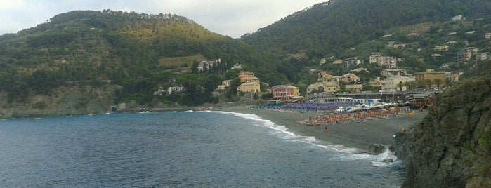 Spiaggia di Bonassola is one of √ Best Free-Beaches in Liguria.