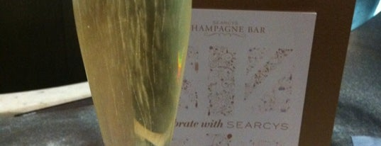 Searcy's Champagne Bar is one of Chrisさんのお気に入りスポット.