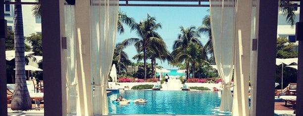 Gansevoort Turks & Caicos is one of Locais curtidos por Lorella.