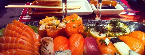Sashiburi Sushi House is one of Posti che sono piaciuti a Rafael.
