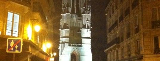 Rue Nicolas Flamel is one of Paris Insólita.