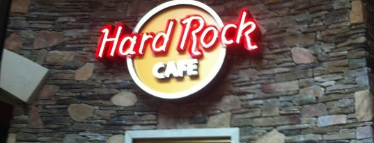 Hard Rock Cafe Foxwoods is one of Lieux qui ont plu à Travis.