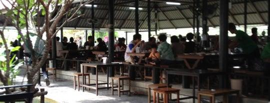 Tum Thai is one of 04 - ตามรอย.