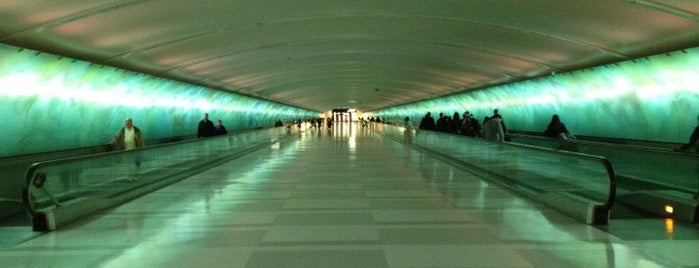 Detroit Metropolitan Wayne County Airport (DTW) is one of I Love Airports!.
