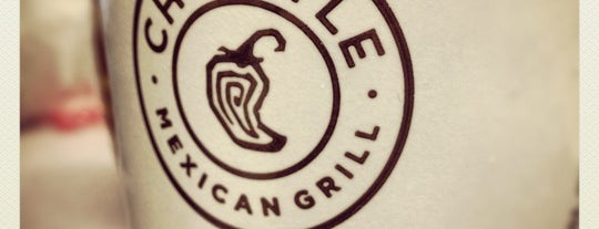 Chipotle Mexican Grill is one of Tempat yang Disukai Mark.