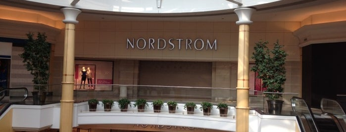 Nordstrom is one of Locais curtidos por Nina.