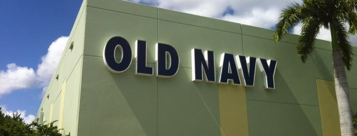 Old Navy is one of Tempat yang Disukai Normélia.