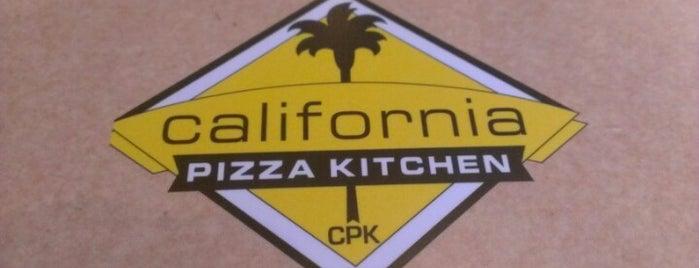 California Pizza Kitchen is one of Orte, die Mandar gefallen.