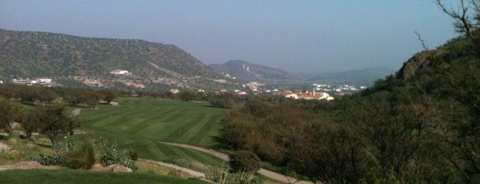 Club De Golf Hacienda Chicureo is one of Orte, die Sergio gefallen.
