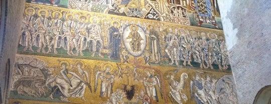 Chiesa di Santa Maria Assunta is one of Lugares favoritos de Em.