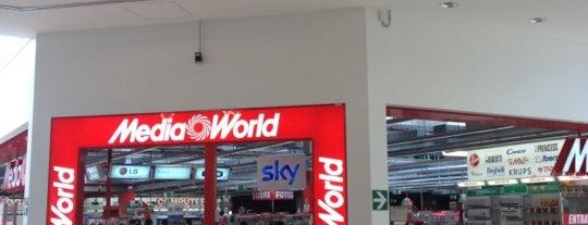 Media World is one of Orte, die Alessandro gefallen.