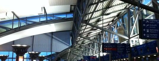 Leipzig/Halle Airport (LEJ) is one of Tempat yang Disukai Friedrich.